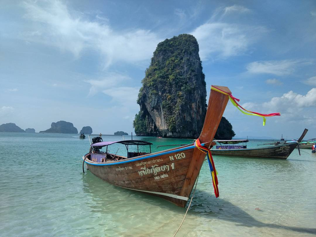 bateau traditionnel krabi ile thailande